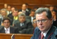 Plenário do TSE aprova criação do Partido da República (PR), resultante da fusão entre PL e Prona